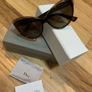 Christian Dior woman glasses